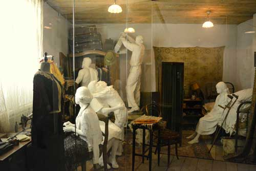 Schindler's Factory Private Tour | KRAKOW PRIVATE JEWISH TOURS-4